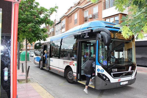Podemos pide la urgente implantación del carril bus en la A42 y la A4