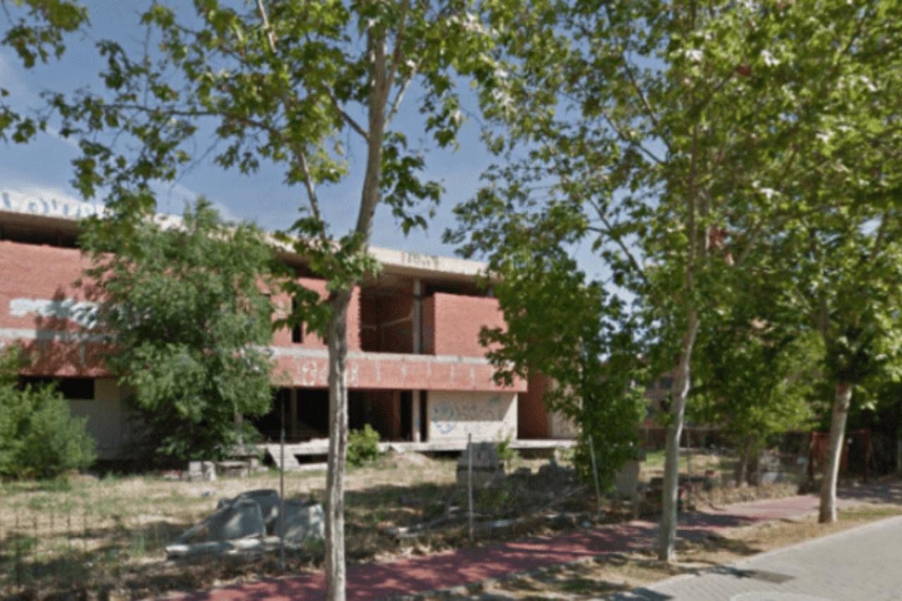 Podemos pregunta por la futura residencia y centro de día en el edificio abandonado de la Casa de Murcia