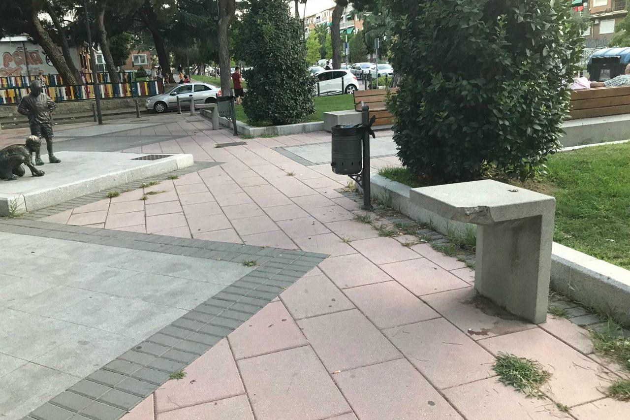 Podemos solicita que se arregle una  luminaria deteriorada en la Avenida de España